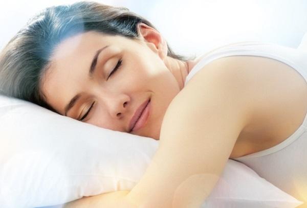 Posição durante o sono favorece limpeza do cérebro